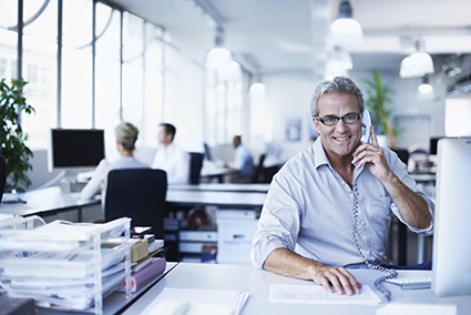 Verkaufsvorbereitung für einen Unternehmensverkauf durch einen Mitarbeiter von Unternehmens-Broker